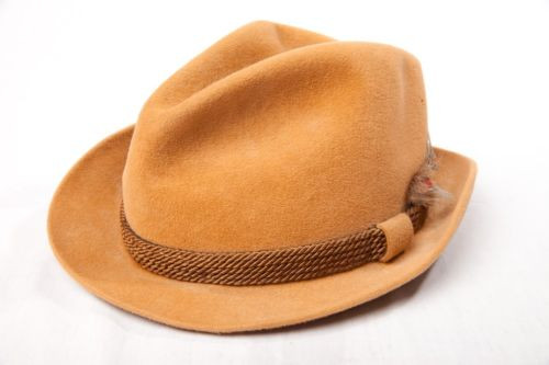 Vintage Men's Cavanagh Fedora Beige B. Altman & Co 7 1/8 New York Feathers