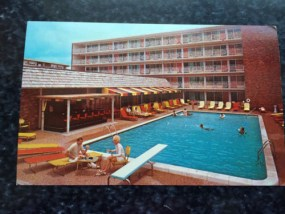 Vtg Postcard Uncirculated Unposted Holiday Inn By The Sea Fort Lauderdale A1A FL