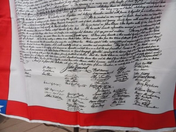 "Vintage Ladies Scarf Declaration of Independence Hand Rolled Edges 26""x26"" NWOT"
