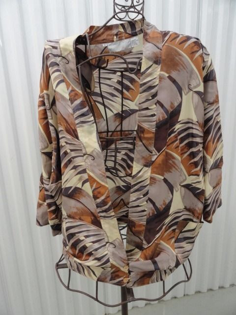 Women's Diane Gilman Floral Leaf 100% Silk Full Jacket Two Button Closure Large