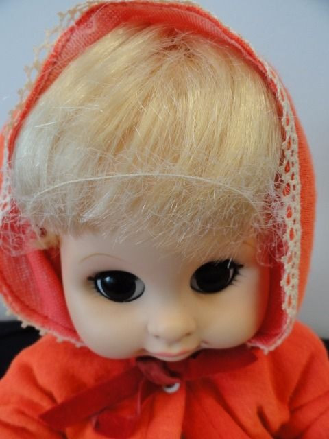 """Vintage 1975 VOGUE DOLL 11"""" Sleep Eyes Open Mouth Original Hair Net & Clothes"""