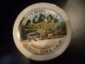 Vtg Knott's Berry Farm Ghost Town, CALIF. Mini Dish Gold Rim Japan Stage Coach