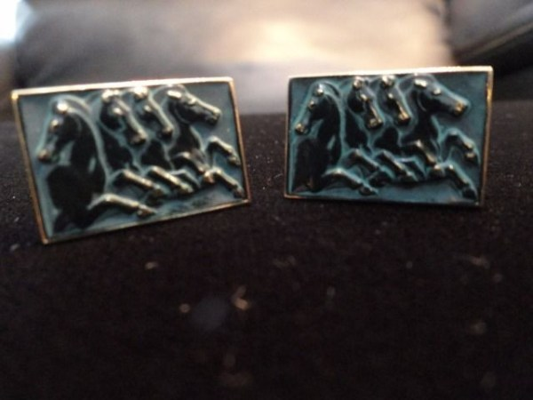 Vintage Black Enamel Prancing Horses Cufflinks On Gold Tone Swivel Back Ex Con