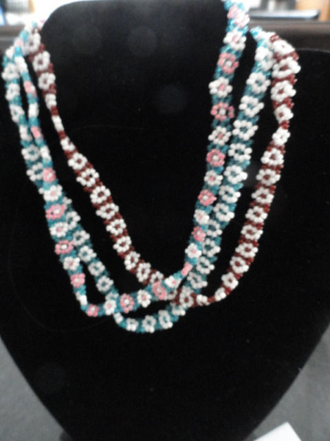 """Costume Fashion Necklace Flower Hand Beaded Choker With Twist Closure 13.5"""""""