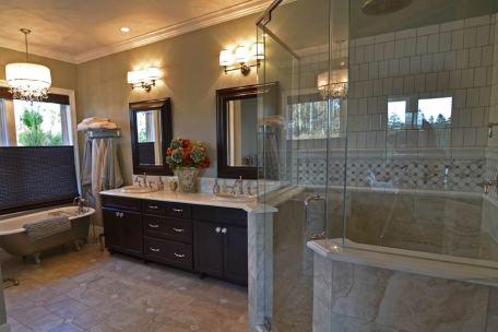 Master-Bathrooms-33