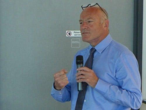 Alain Rousset, président de la Région Aquitaine, conclue la matinée de l'étape du TourTT à Bordeaux.
