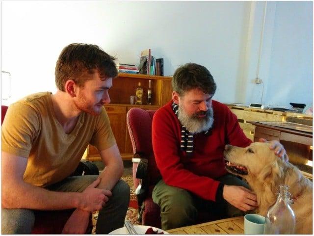 Peter et Valgeir, les fondateurs du coworking de Reykjavik et la mascotte Tinni.