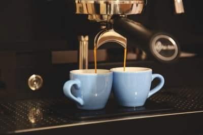 café morning routine