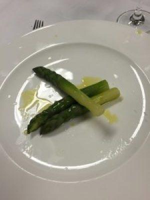 Les asperges vertes façon Fulvio Pierangelini