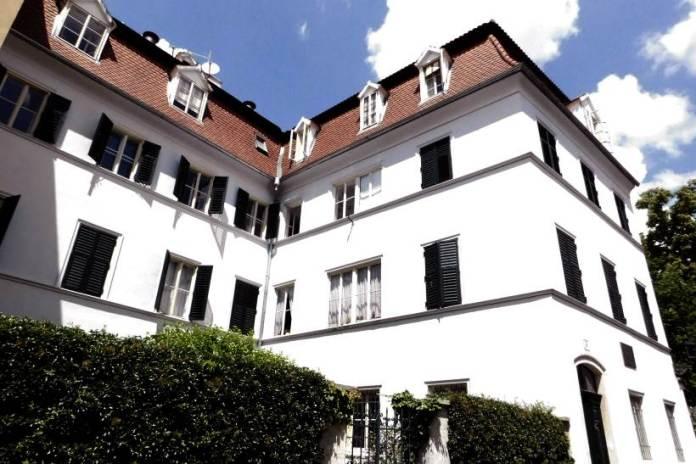 Kući na Gornjem gradu u kojoj je  od 1913. živjela Milka Trnina
