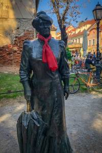 Dani kravate - Spomenik Mariji Jurić Zagorki