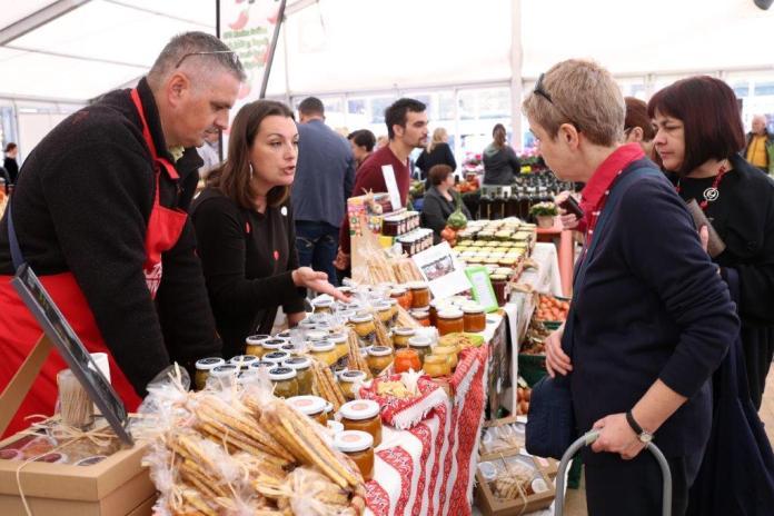 """Pogledajte kako je bilo """"Danima hrane i tradicijskih proizvoda"""" [FOTO]"""