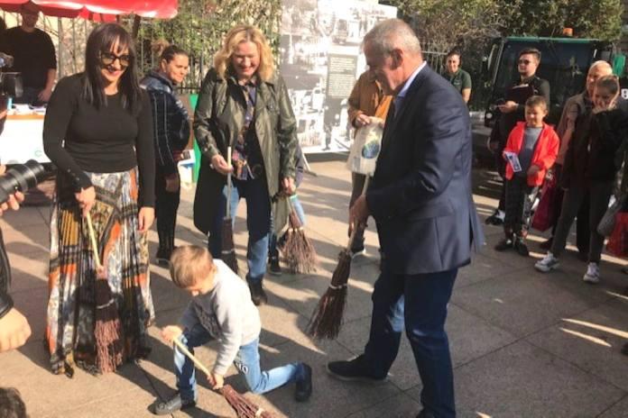 Na Cvjetnom trgu održava se edukacija građana o odvajanju i zbrinjavanju otpada