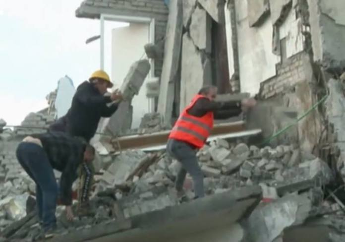 SPAŠAVANJE PREŽIVJELIH: 22 zagrebačka vatrogasca, s kompletnom opremom, spremna za put u Albaniju