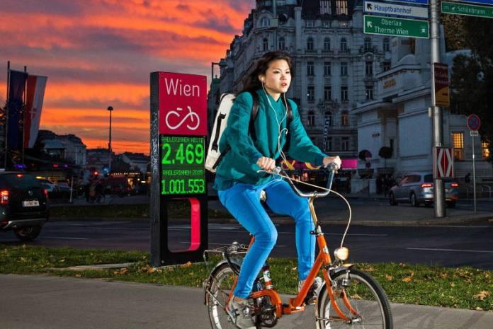 ONI ZNAJU KAKO ČUVATI ZDRAVLJE I OKOLIŠ: Biciklistički promet u Beču obara rekorde