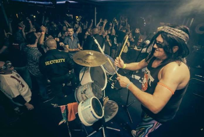 KRALJEVI DOBROG PROVODA: Vatrogasci pripremaju urnebesni maskenbal u Metropolis klubu