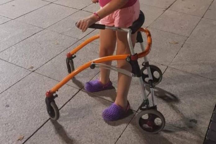 Djevojčici s cerebralnom paralizom netko je ukrao guralicu koja joj je neophodna za kretanje