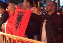 Photo of Flet regjisori i dokumentarit që shkaktoi përplasjen mes serbëve dhe shqiptarëve në Nju Jork