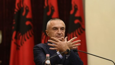 Photo of Meta: Shqiptarët të hapin sytë dhe të marrin fatin e tyre në dorë, do t'i kundërvihem me të gjitha forcat përpjekjeve anti-demokraci (VIDEO)