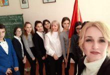 Photo of Dy mësuese nga Shqipëria nisin mësimet në gjuhën shqipe në Ukrainë