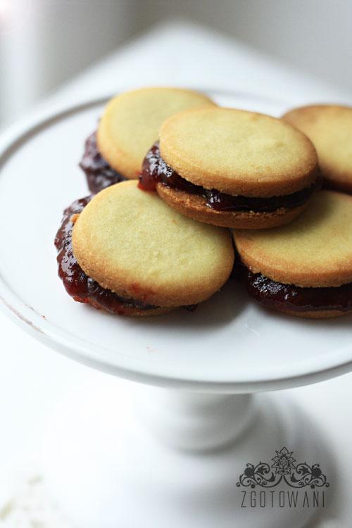kruche-ciasteczka-z-marmolada-3