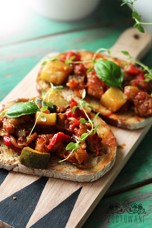 bruschetta-z-warzywami-3