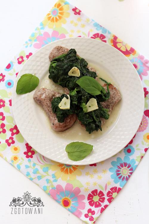 poledwiczki-wieprzowe-ze-szpinakiem-1