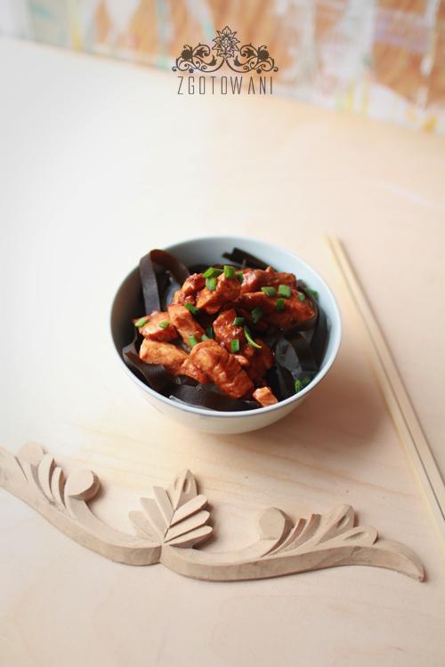 makaron-vermicelli-z-pasta-miso,-lososiem-i-wodorostami-kombu-3