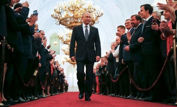 Владимир Путин останется президентом? Депутаты обсуждают снятие сроков 1