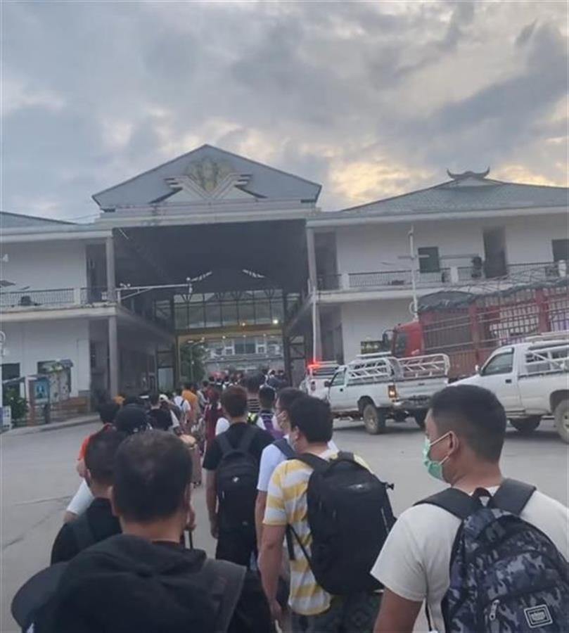 返鄉潮之下的緬北:排隊等候隔離,商戶轉讓店鋪