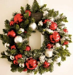 クリスマスリースは折り紙や布で手作りが人気!フリーイラストも活用しよう!