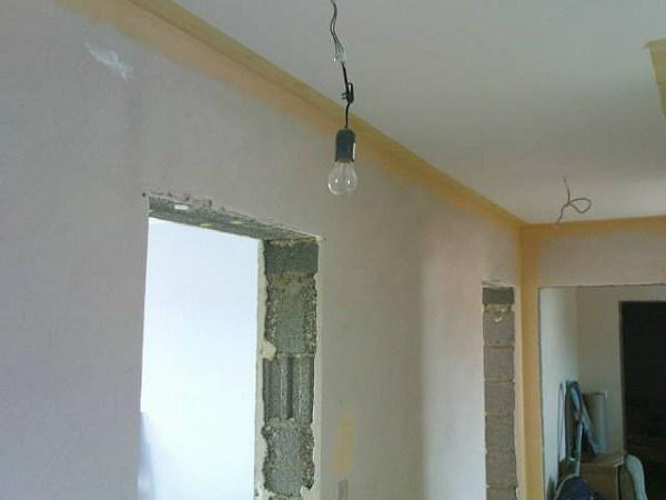 Советы по ремонту: как красить обои? — ЖКХакер