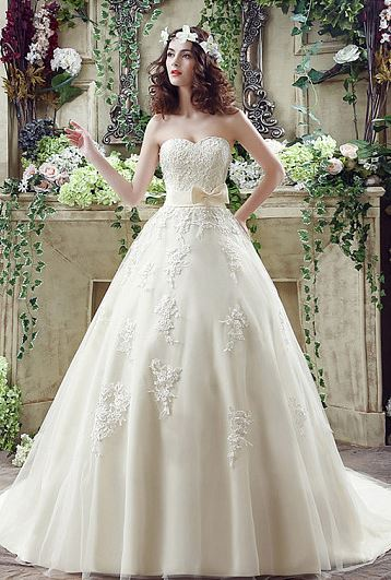 Shimmering Tulle Sweetheart Lace-up Ball Gown Applique Wedding Dresses