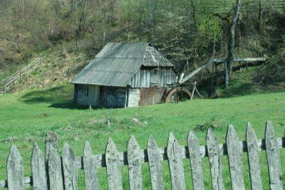 Ținutul Pădurenilor inclus în proiectul Romania Student Tour, un program naţional de redescoperire şi promovare a patrimoniului cultural şi natural al României