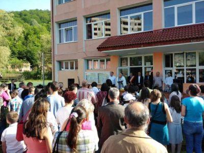 Finalul de an școlar consemnează un nou motiv de mândrie pentru comunitatea Uricaniului