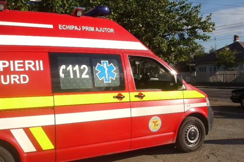 Incident rutier soldat cu un deces după ce un autoturism a pătruns pe contrasens