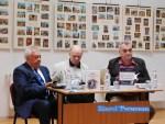 """Lansare de noi cărți la Biblioteca """"Ștefan Petică"""" Tecuci"""