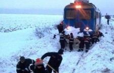 21 de persoane au rămas înzăpezite mai bine de două ore şi jumătate într-un tren spre Zimnicea