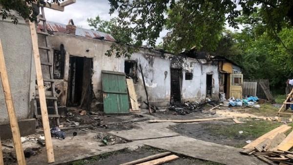 Apel umanitar pentru o familie din Orbeasca, rămasă fără casă în urma unui incendiu