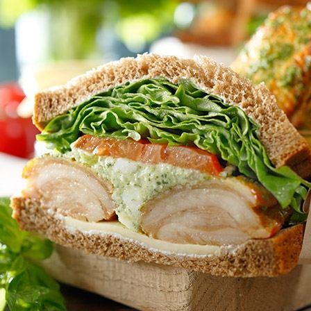 スターバックス チキンバジルサンドイッチ