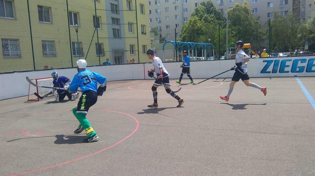 Hokejbal Ziegelfeld : AHK Pekníková 3 Semifinále BHBL