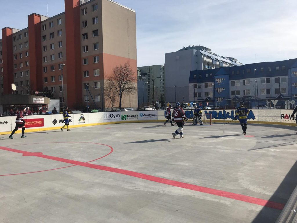 hokejbal Ramiland Vrakuňa vs Rebels