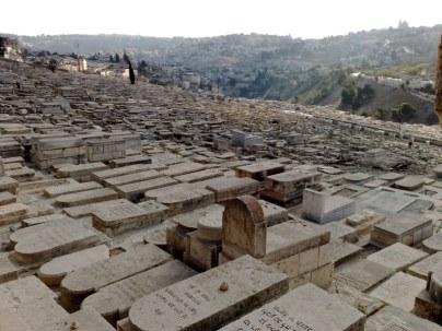 Groby żydowskie na zboczu góry oliwnej