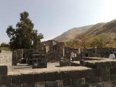 Kościół w Kursi upamiętnia przepiękną scenę ewangeliczną, w której Jezus przepędza legion złych duchów w stado świń.