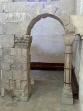 Brama miejska. Jezus mógł tędy wychodzić z miasta na miejsce kaźni.