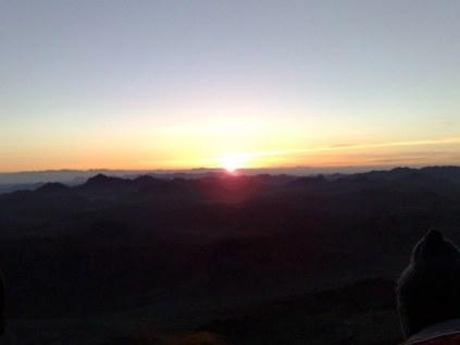 Wschód słońca obserwowany na tym miejscu wynagradza wszelkiego typu niedogodności napotykane po drodze.