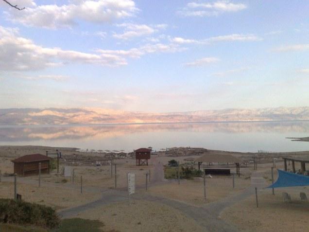 nad którego brzegami dzisiaj odnajdujemy plaże jak choćby ta, z naturalnymi wodami siarczanowymi.