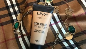 NYX Stay Matte But Not Flat Foundation (Warm/Chaud)| Review