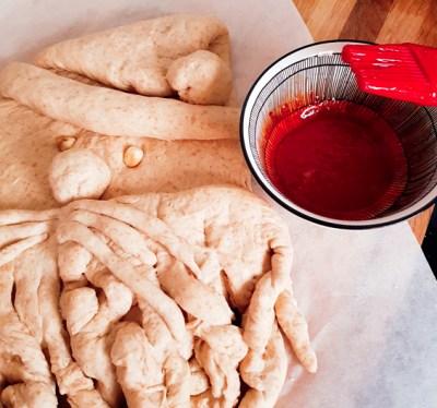 santa_bread_prep_egg17