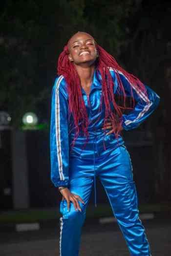 Kim Makumbe - artist